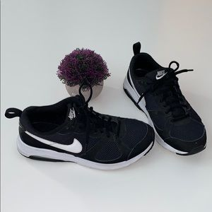 Nike Air Black and White Men's Shoes Size 8.5